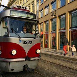 Raitiovaunulla on helppo liikkua ympäri Prahaa