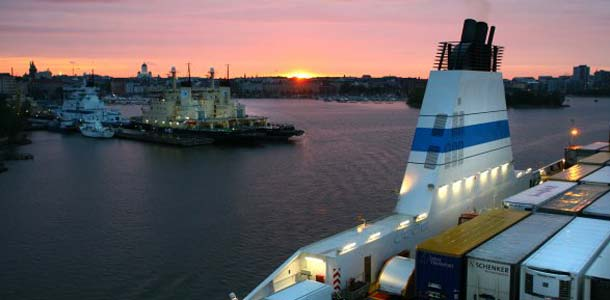 Alus Helsingin satamassa