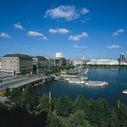 Satamakaupunki Hampurissa meri on aina lähellä.