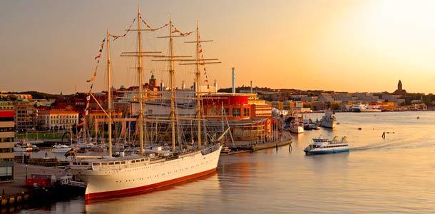 Göteborgin upea auringonlasku satamassa