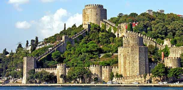 Rumeli Hisari -linnoitus Istanbulissa