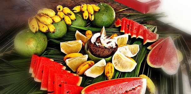 Tuoreita hedelmiä Tahitilla