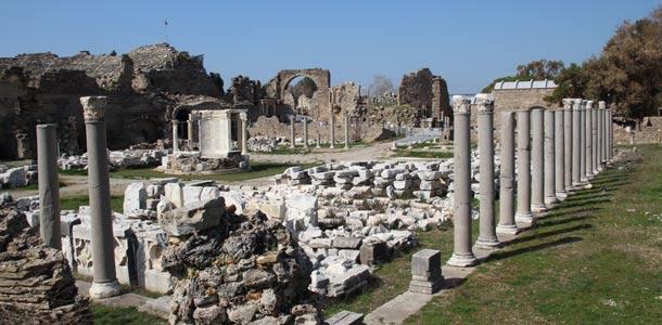 Sidessä on runsaasti antiikin raunioita