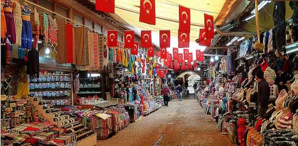 Antalyan vanha basaari