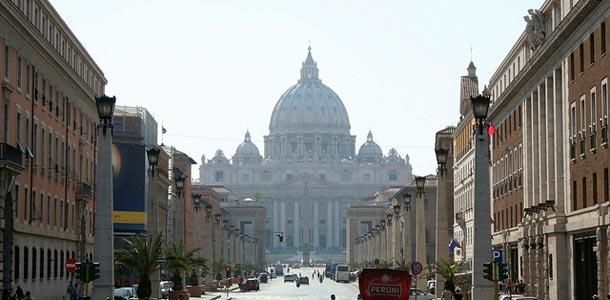 Pietarinkirkko on yksi maailman suurimmista kirkoista