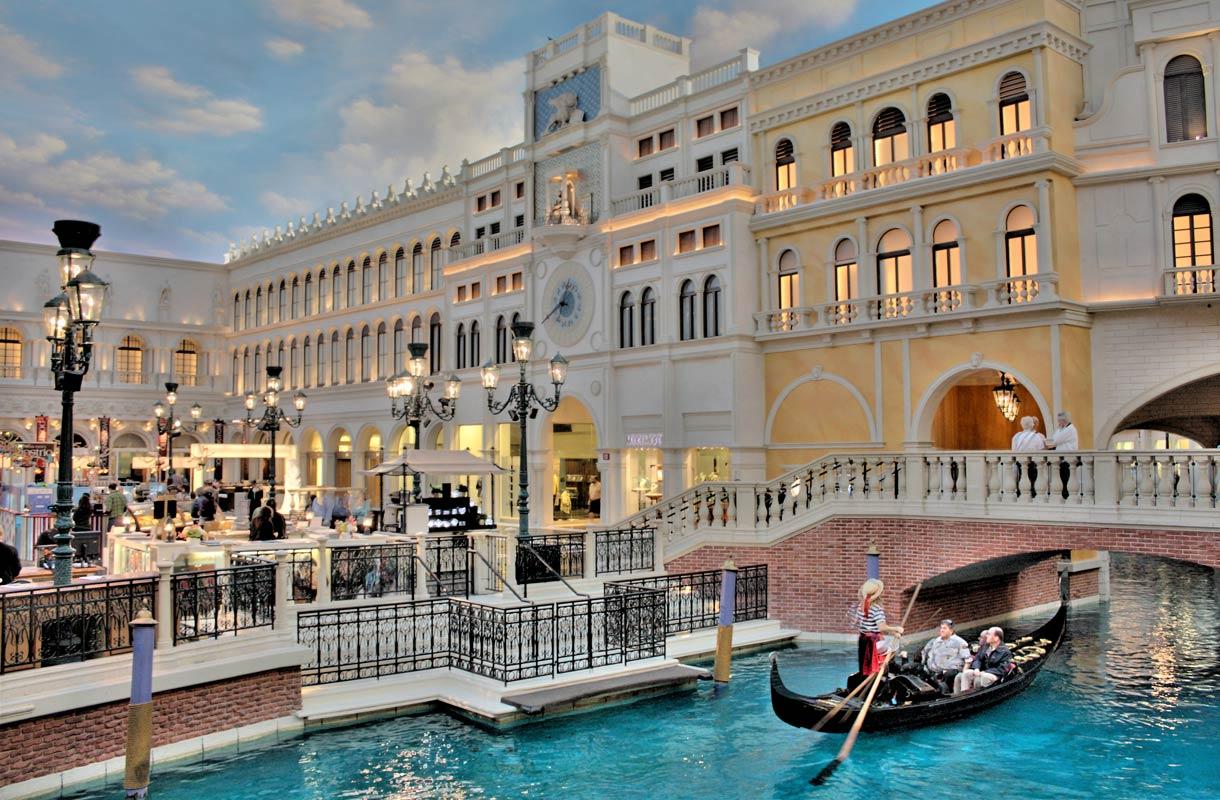 Venetian-hotelli tarjoaa palan Venetsiaa Las Vegasissa
