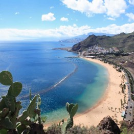 Pohjois-Teneriffan suosituin ranta Playa de las Teresitas