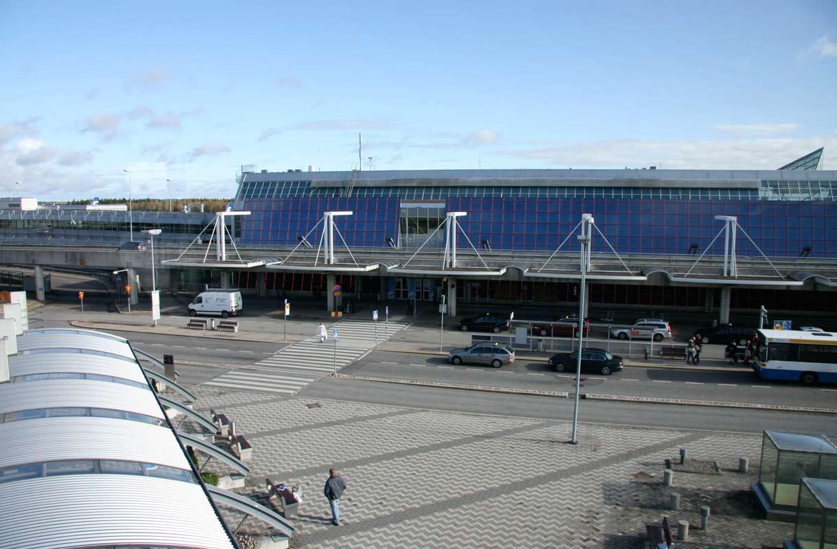 Lentopysäköinti Helsinki-Vantaalla