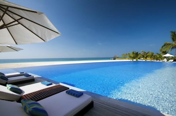 Infinity pool Malediiveilla
