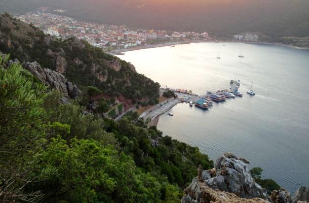 Ylhäältä vuorilta avautuu upea maisema Içmelerin ylle.