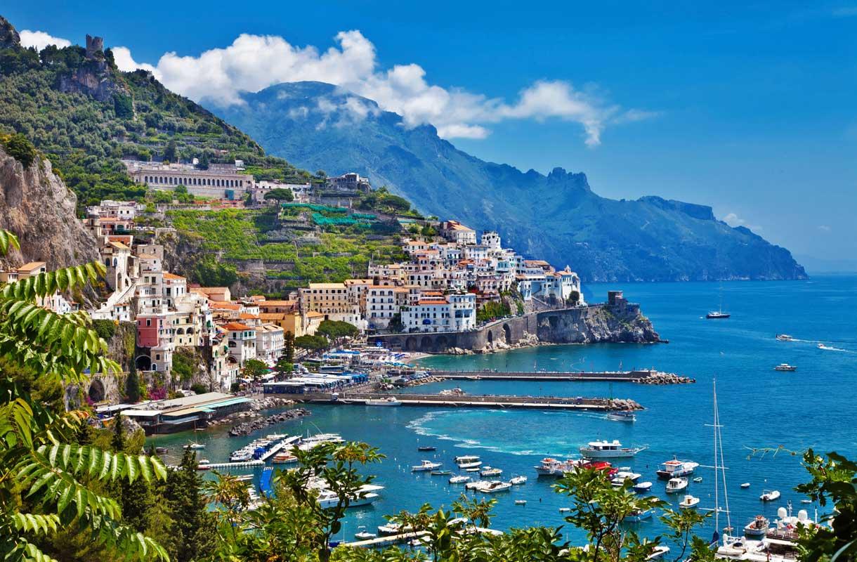 Maisema Amalfin rannikolla