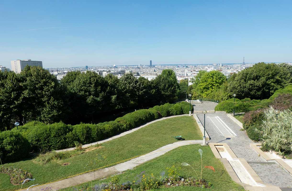 Näkymä Parc de Bellevillen puistosta
