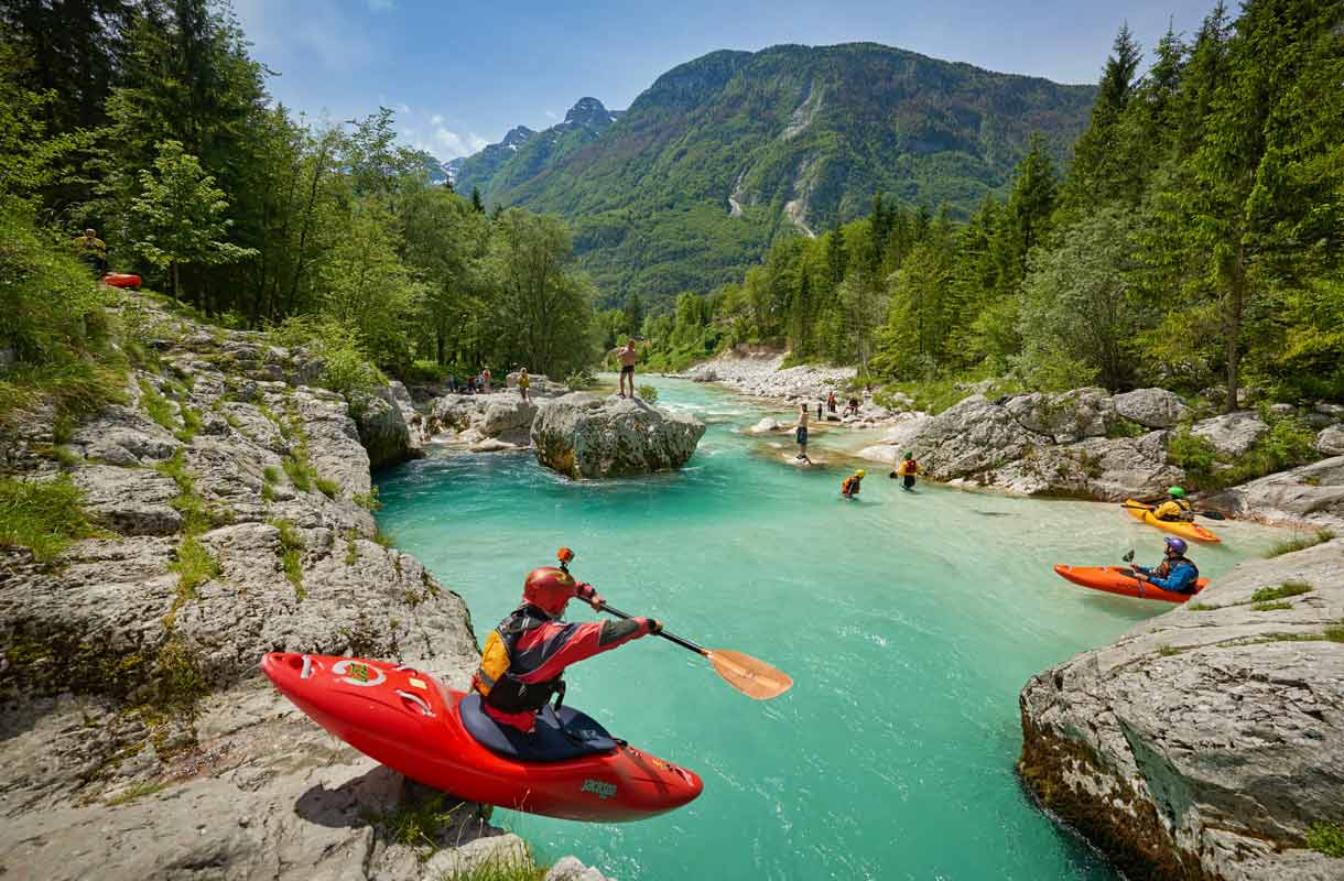 Slovenia sopii liikkuvalle lomailijalle.