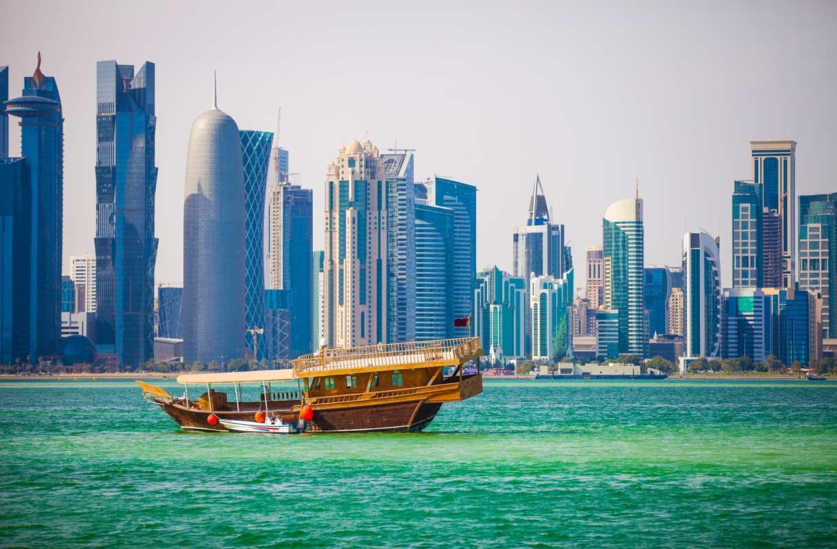 Qatar tunnetaan pilvenpiirtäjistään.