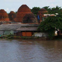 Maisema Mekong-joen varrella