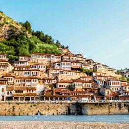 Tuhannen ikkunan kaupunki Berat