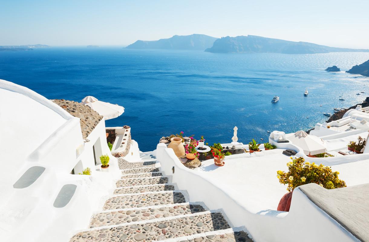 Mikä saari sopii vaihtoehdoksi Santorinille?